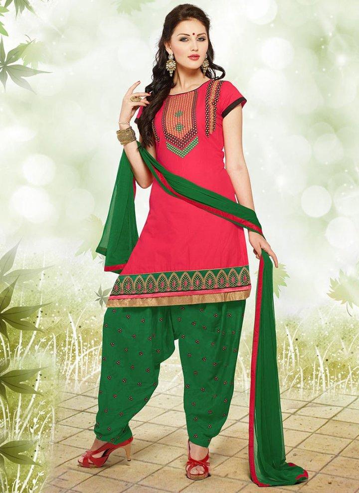 Latest-Fashion-of-Designer-Punjabi-Dresses-Patiala-Salwar-Kameez-Suits-for-Women-17
