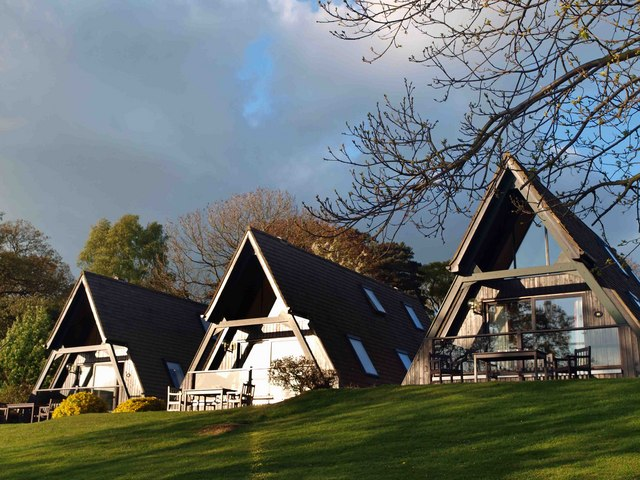 Barnsdale_Hall_Hotel_timeshare_lodges._-_geograph.org.uk_-_1276498