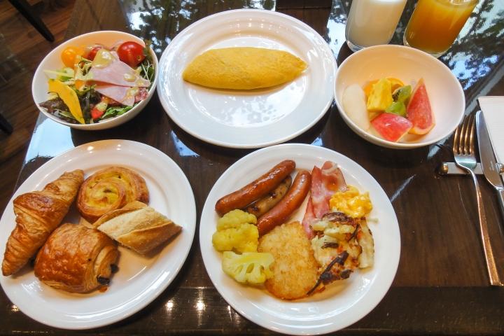 Hotel_Niwa_Tokyo_breakfast_buffet_20131028-001